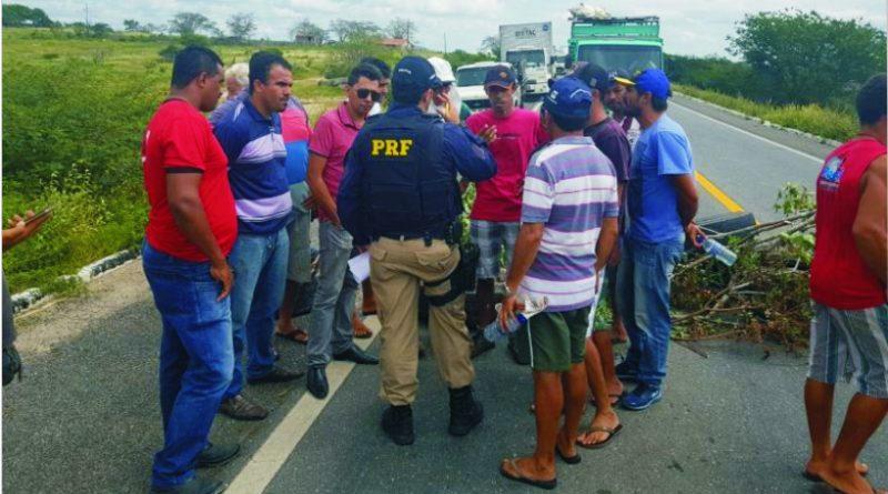 Caminhoneiros seguem protestos contra preço dos combustíveis