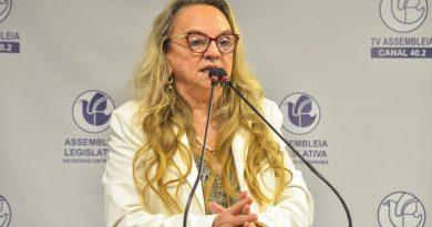 Doutora Paula protocola licença de 123 dias e Jane Panta assume mandato na ALPB