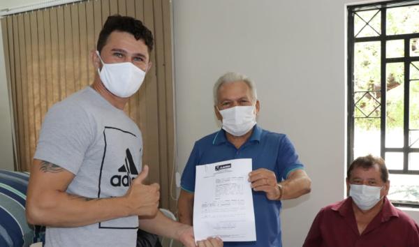 Prefeitura de Cajazeiras empossa novos servidores aprovados em concurso